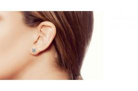 Comment nettoyer les boucles d'oreilles en diamant en cinq étapes faciles